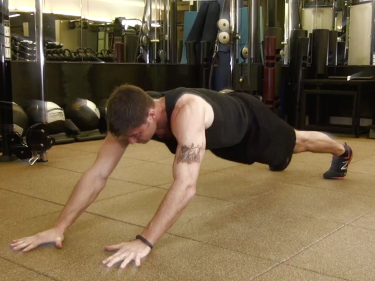 Bodyweight workout: Six-pack plank variations