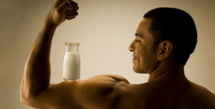 Milk's Benefits for Fit Guys