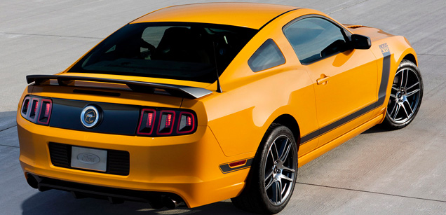 [VIDEO]: MF Test Drives the 2013 Ford Mustang Boss