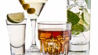 20 Cocktail Recipes Every Man Should Know How to Make