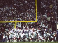 Scott Norwood #11 of the Buffalo Bills misses a field goal at Super Bowl XXV