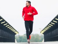 15 Wardrobe Essentials for Outdoor Winter Workouts