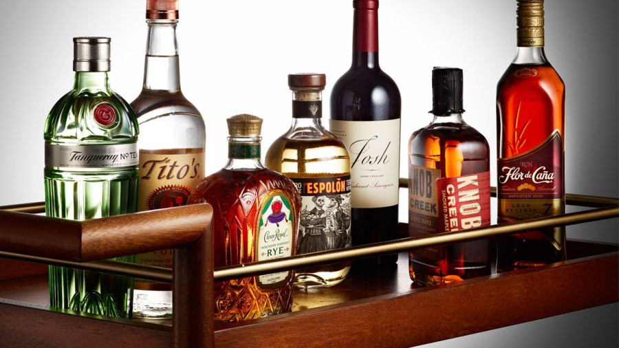 The 4 Bar Essentials to Buy for Your Ultimate Holiday Party