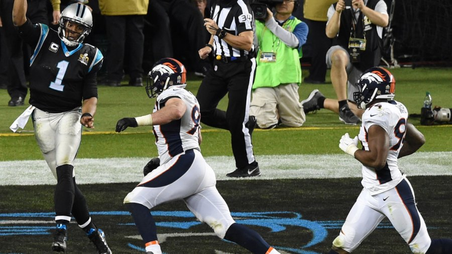 Jacked Referee Clete Blakeman Is the Real MVP of Super Bowl 50