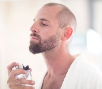 Here's How to Apply Cologne Without Overdoing It