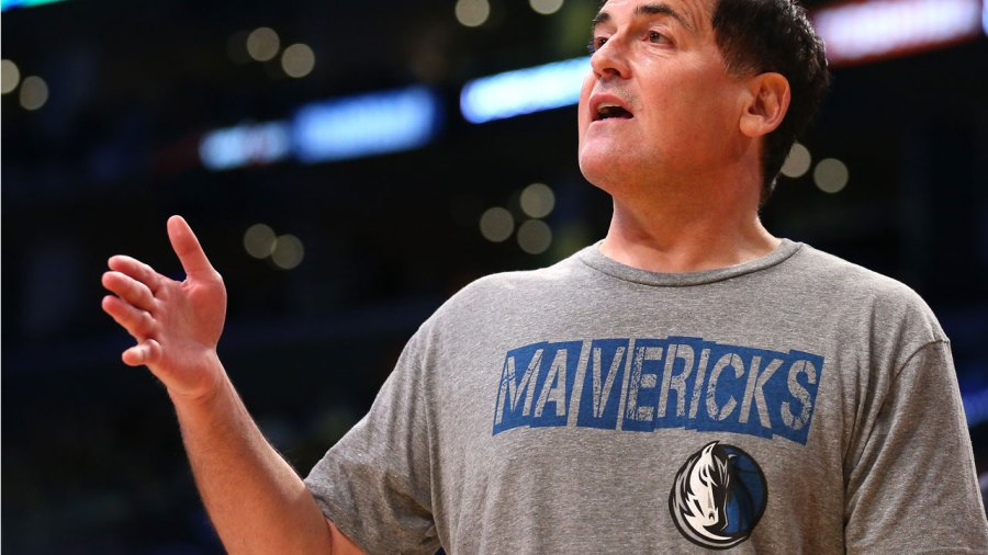 Mark Cuban Dishes on the Rise of Artificial Intelligence, Must-have Apps, and What He'd Do Differently If He Were in Mark Zuckerberg's Shoes