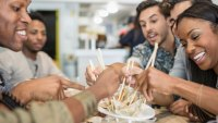 4 Reasons Dining Out Is Just As Bad As Fast Food