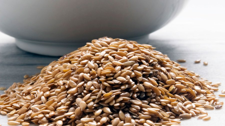 10 Ways to Eat and Cook Flax Seeds