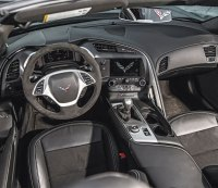 How to Decide Between a Car With an Automatic or Manual Gearbox