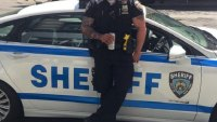 THE BEEFED-UP NYC COP THAT ALL WOMEN LOVE—ACCORDING TO THE INTERNET