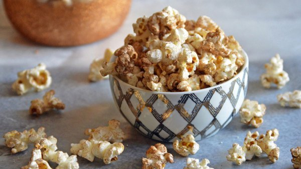 10 delicious low-carb, nutrient-rich snacks to keep you lean