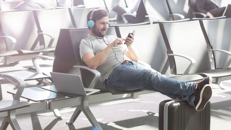 The Guy's Ultimate Guide to Traveling During the Holidays