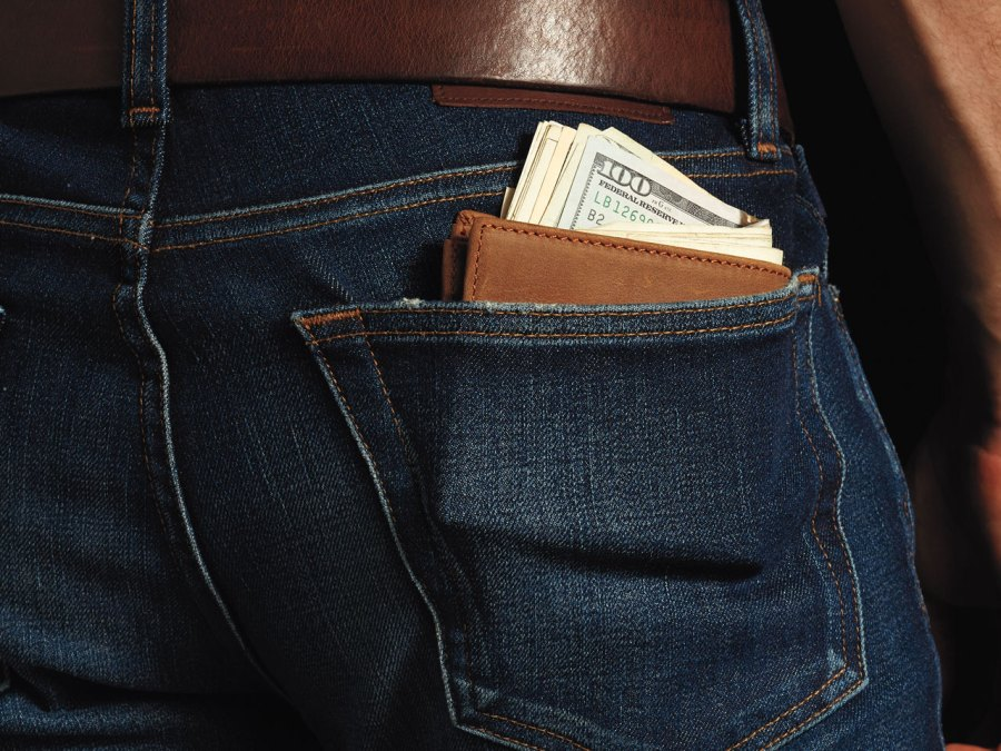 4 Smart Tips to Keep You From Spending All Your Money