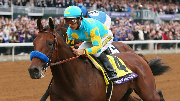 American Pharoah # 4, Ridden By Victor Espinoza Leads The Breeders' Cup Classic