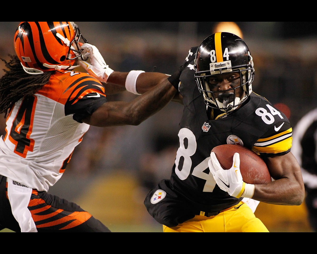 abcb0f1f8 Antonio Brown's 15 Most Electric Social Media Workout Videos