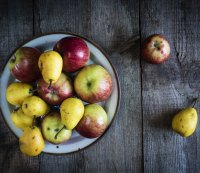 16. Apples and pears