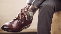 Two essential accessories that will raise your fall style game