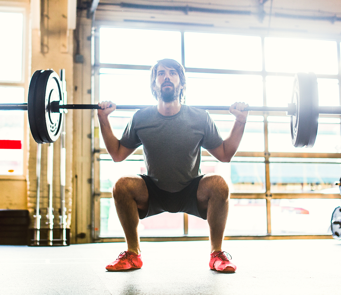 4 ways to prevent knee pain during heavy squats