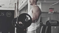How to do a barbell biceps curl