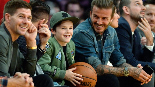 David and Cruz Beckham at Los Angeles Lakers Game