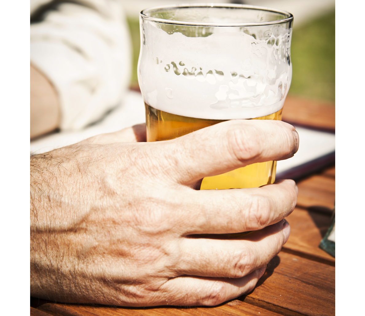 The Final Word On Drinking Beer After A Hard Workout Men S Journal