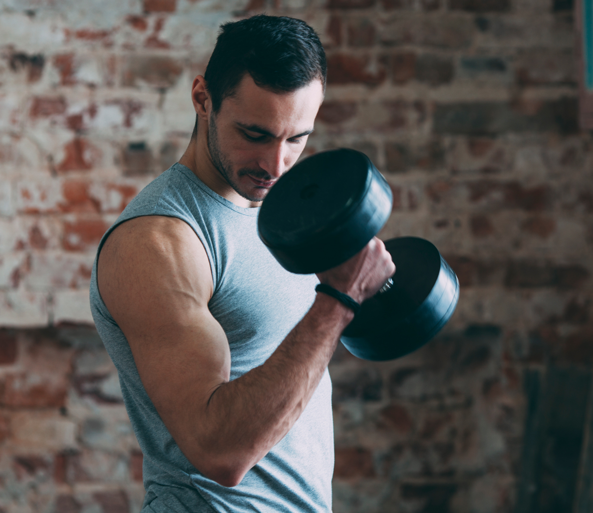 If You Want to Build Muscle and Gain Strength, Lift Lighter