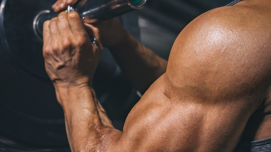 How to Prevent Stretch Marks From Weightlifting and Bodybuilding