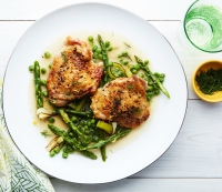 Braised chicken with aspargus, peas, and melted leaks