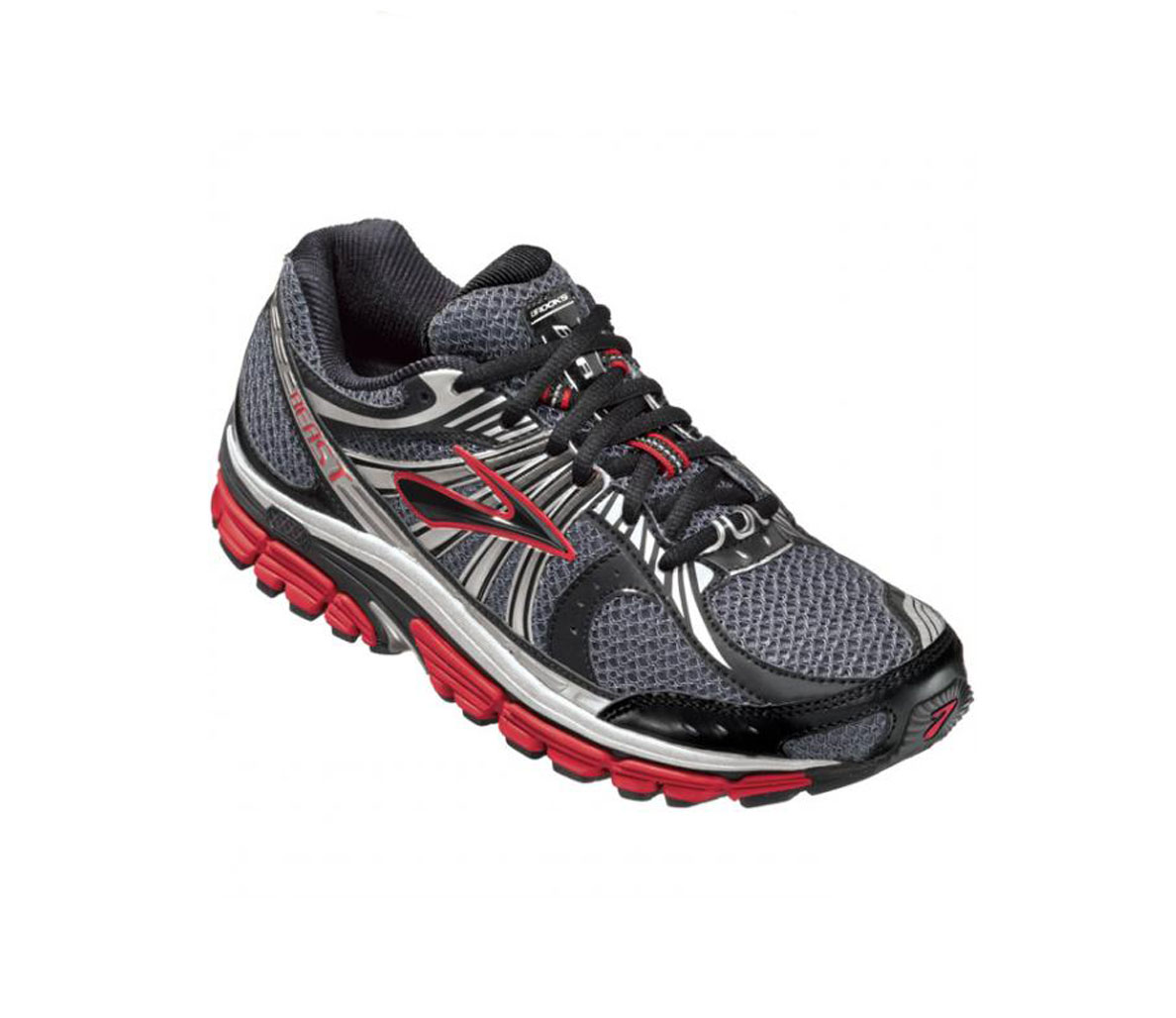 b1904e211ee 10 Best Running Shoes for Guys With Problem Feet - Men s Journal