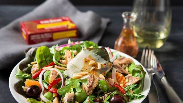 Recipe: How to Make a Spanish-Style Salad with Sardines