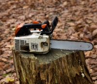 Operating a chainsaw