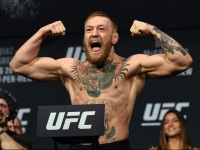 Watch: McGregor 'trains' for horseracing fame