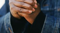 Ask Men's Fitness: Is Cracking Your Knuckles Really That Terrible for You?