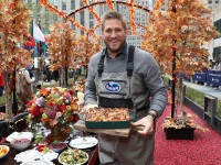 Curtis Stone Shows Off His Thanksgiving Menu with Ocean Spray
