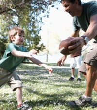 How Do Children Learn Persistence? From Their Fathers