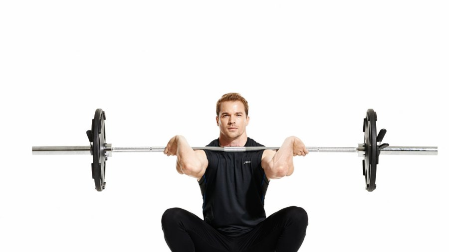 Monday Morning Workout: Tackle Fat and Build Muscle With These Basic Weightlifting Moves