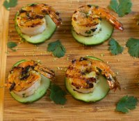 Garlic and lime-grilled shrimp on cucumber chips