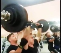How not to spot a push press.