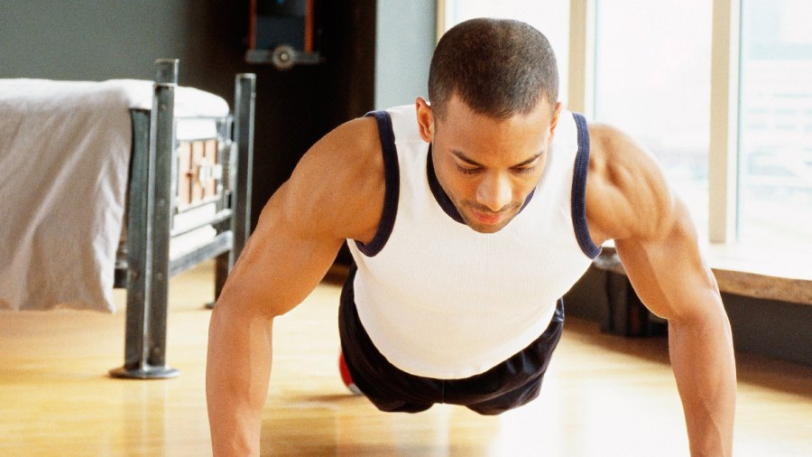 8 At-home Workouts Under 10 Minutes to Help You Lose Weight and Build Muscle