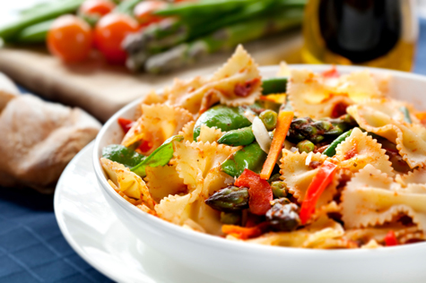 10 healthiest ethnic foods mens journal with a bounty of nutritious vegetables this popular pasta dish serves up a healthy dose of antioxidants plus the fresh garlic helps to prevent blood forumfinder Choice Image
