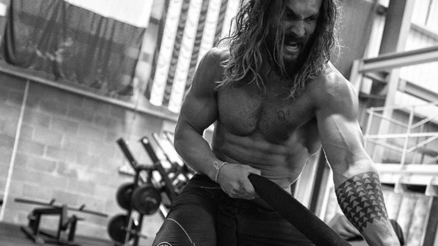 'Game of Thrones' Star Jason Momoa Got Absurdly Jacked for 'Justice League'