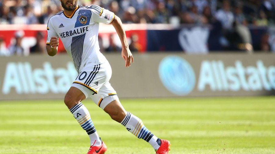 Landon Donovan's Constantly Changing Fitness Routines, Sportscasting 101, and Fatherhood