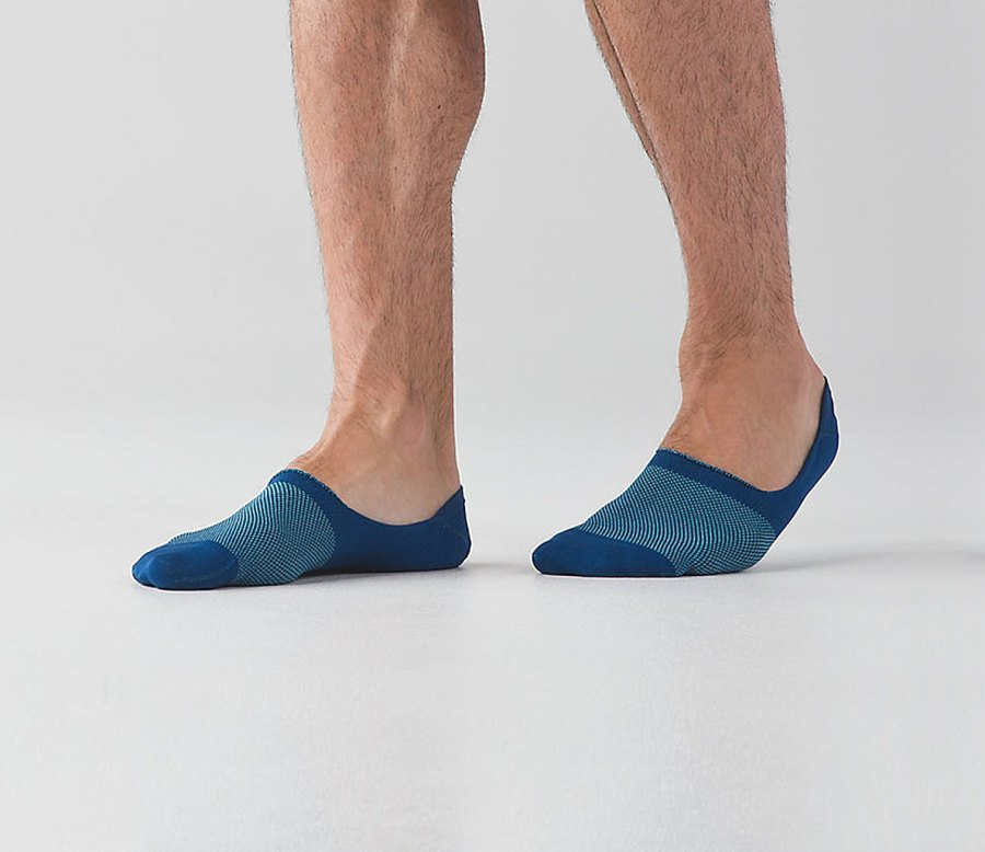The Top 5 Socks for Men With Smelly Feet