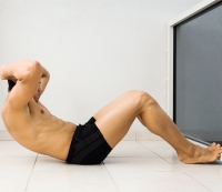 Here's Why It's a Really Bad Idea to Do 1,000 Crunches Every Day