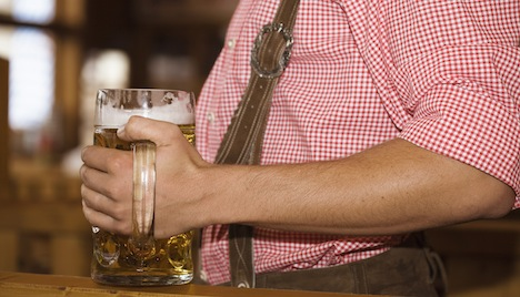 Effects of Drinking: 10 Extra Pounds of Fat a Year?