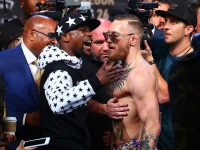 The Best Memes From the Conor McGregor-Floyd Mayweather Fight (Gallery)