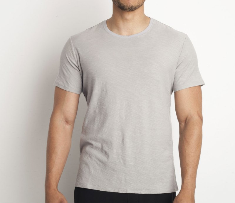 The 10 Best T-Shirts for a Muscular Body 024ca0866