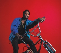 What BMX Biker Nigel Sylvester Plays on His Smartphone
