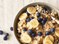 How to Make the Perfect High-protein, Low-sugar Bowl of Oatmeal