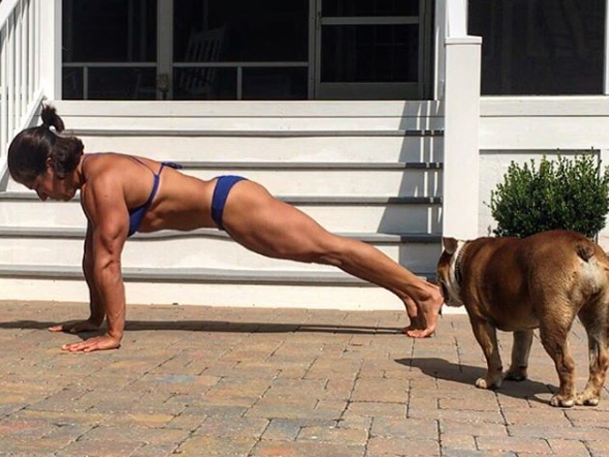 A Former CrossFit Games Finalist Just Set a Pushup World Record. Here's How to Improve Yours.